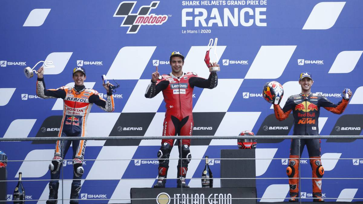 Unpublished-podium-in-the-water:-Petrucci-Álex-Márquez-and-Pol