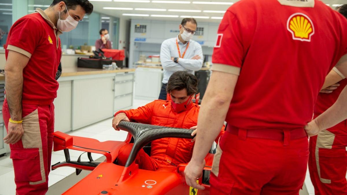 Carlos-Sainz-already-knows-how-he-feels-at-Ferrari