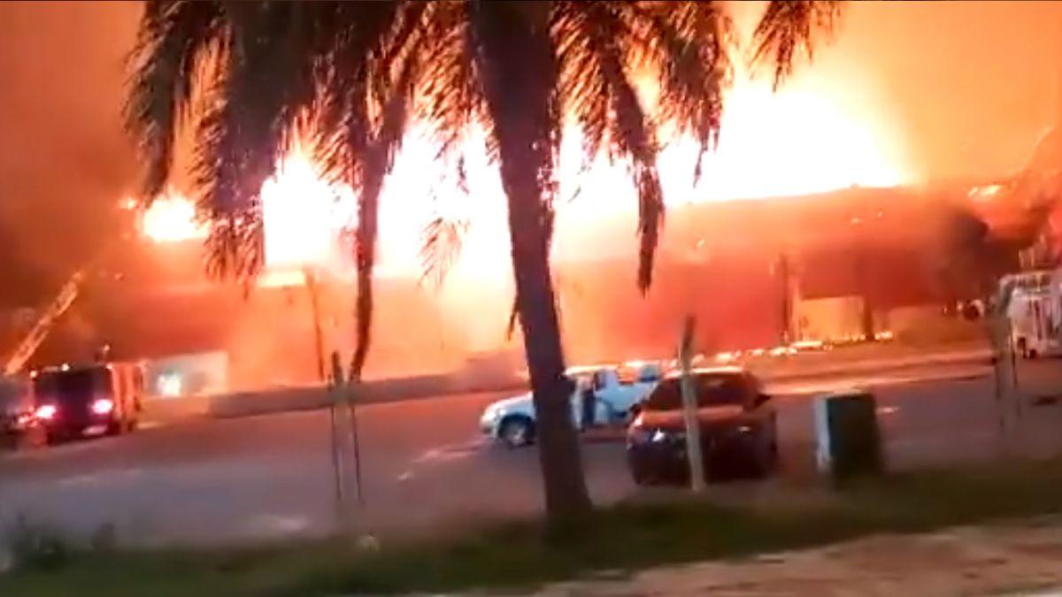 Shocking-fire-in-the-Termas-de-Río-Hondo-circuit