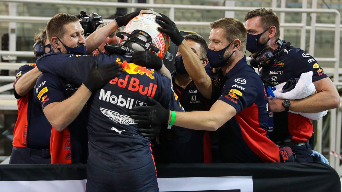 Red-Bull-breathes:-engines-freeze-approved