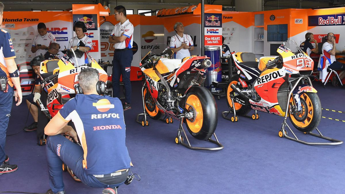 Honda-prepared-his-custom-motorcycle-for-Márquez