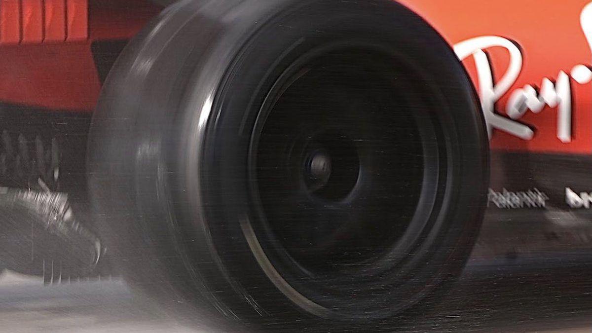 Pirelli-publishes-test-calendar-with-18-inch-wheels