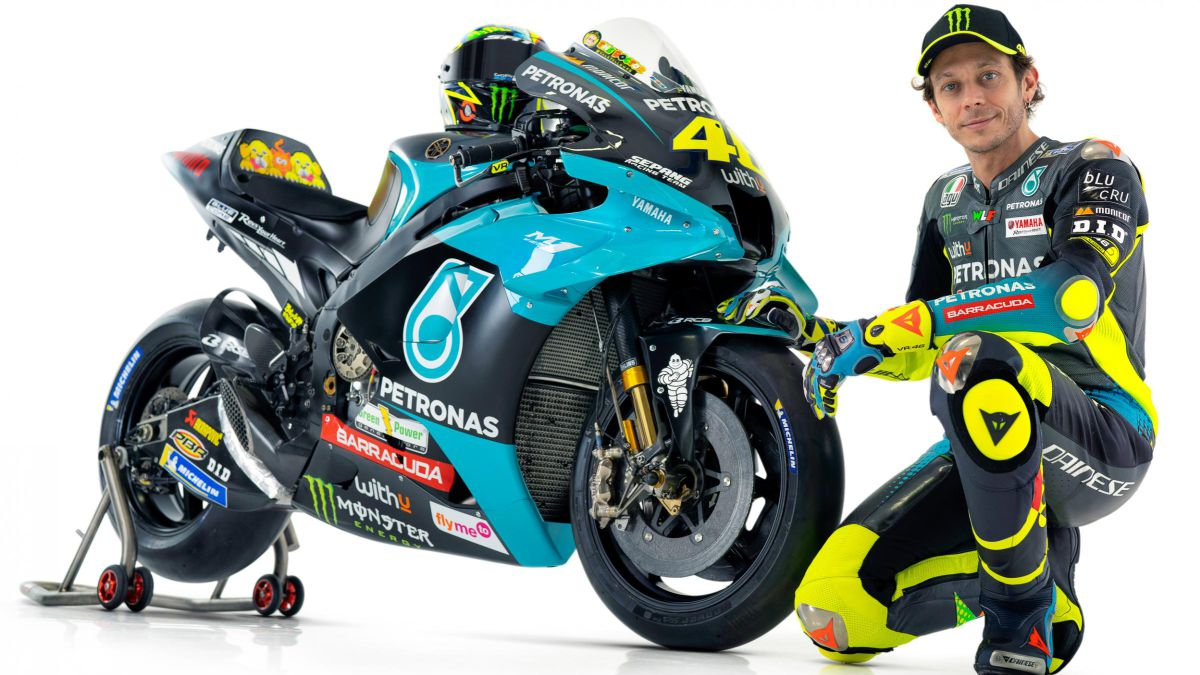 """Rossi-debuts-colors-at-age-42-as-""""a-living-legend"""""""