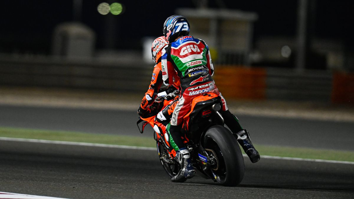 Pol's-first-crash-with-the-Honda-and-Alex's-slight-fracture