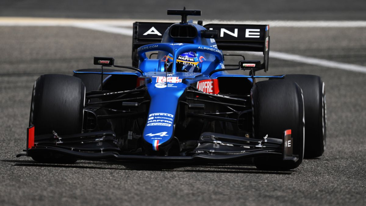 Alonso-responds-to-Sainz-by-signing-the-best-time