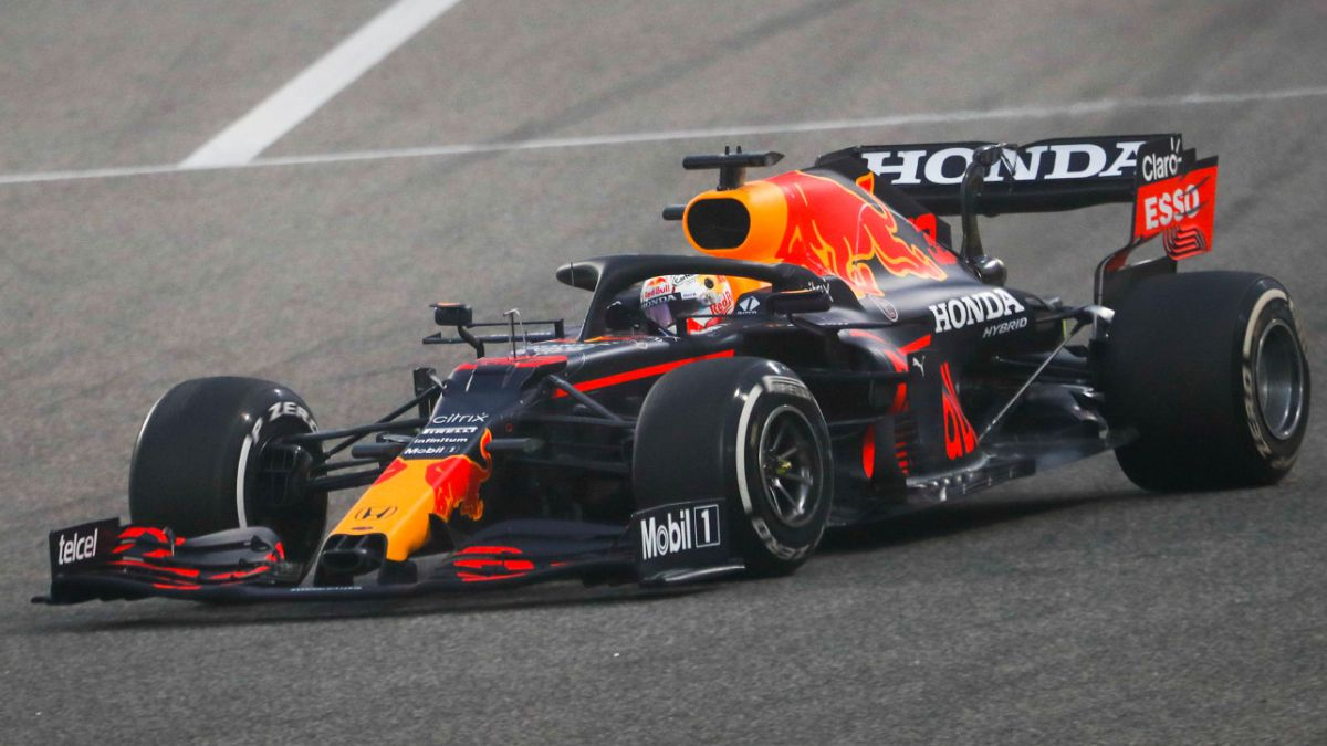 Red-Bull-winter-champion-while-Sainz-leaves-sparkles