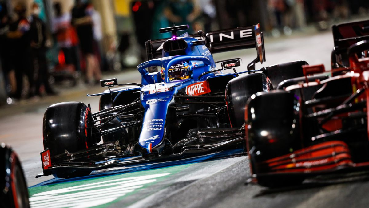 Alpine-and-Ferrari:-more-than-a-second-separates-them-from-victory