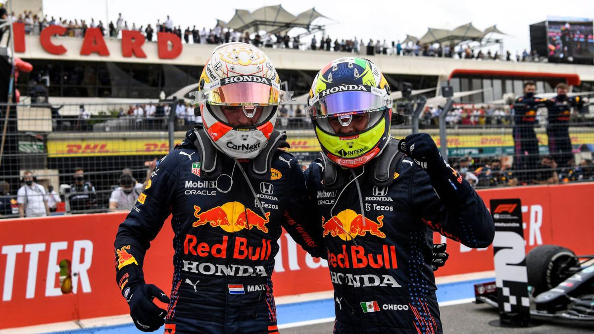 Two-drivers-against-Hamilton