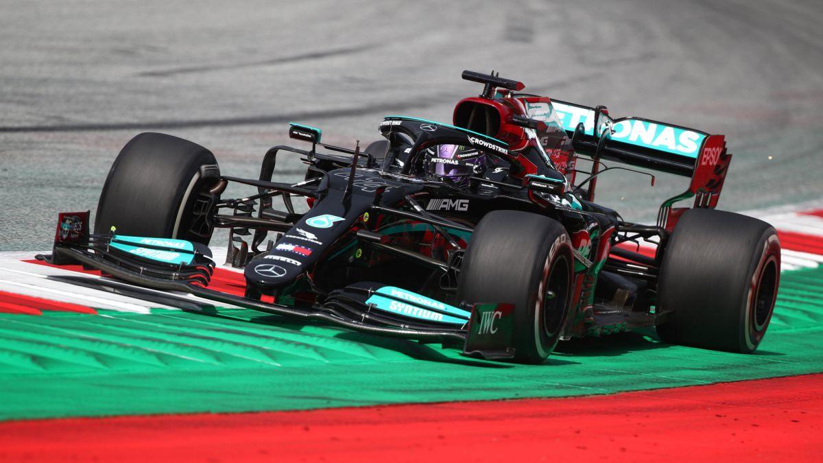 Hamilton-responds-to-Red-Bull