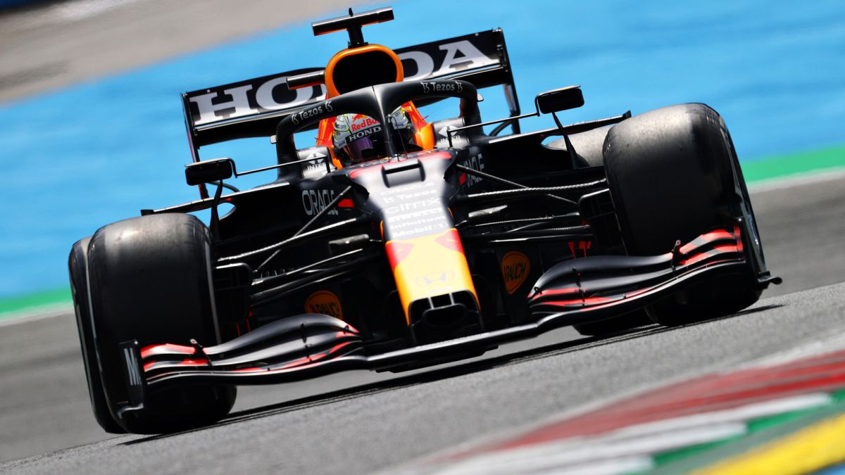 Verstappen-hits-first-while-Alonso-has-fun