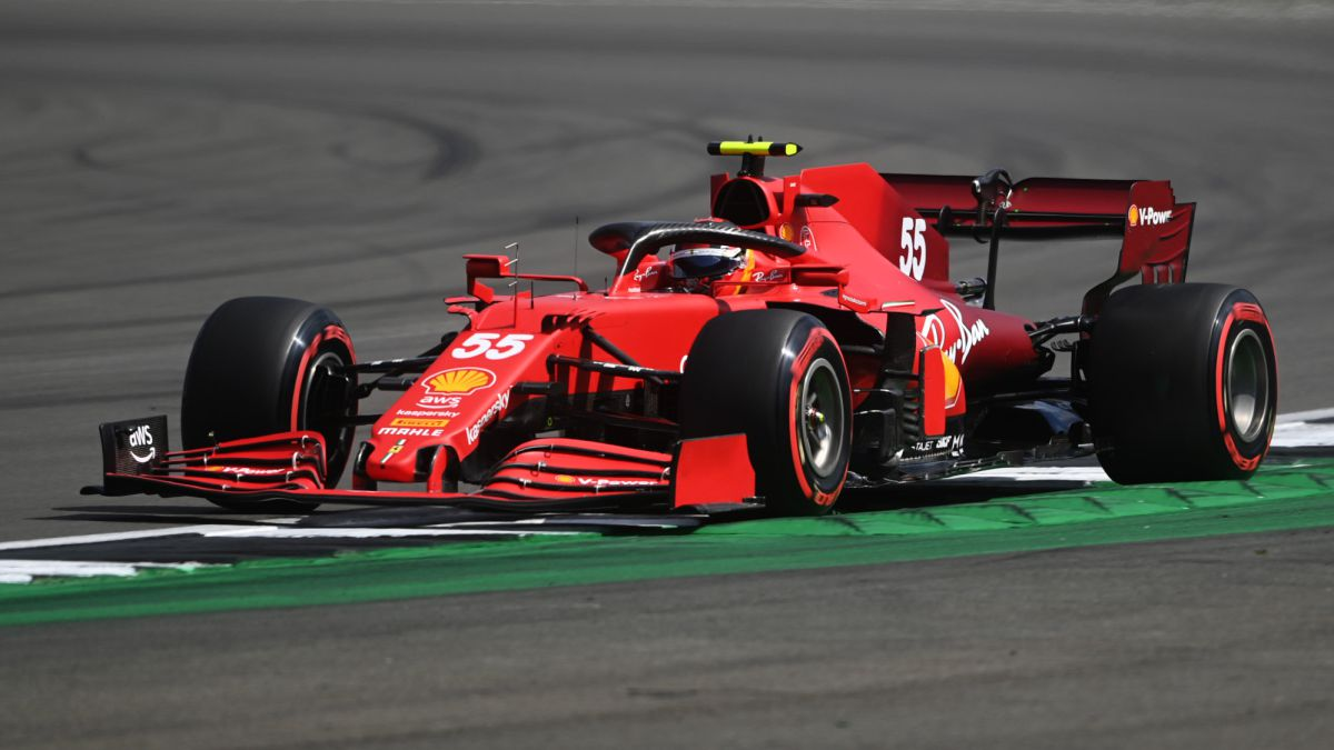 Verstappen-and-Ferraris-lead-ahead-of-historic-moment