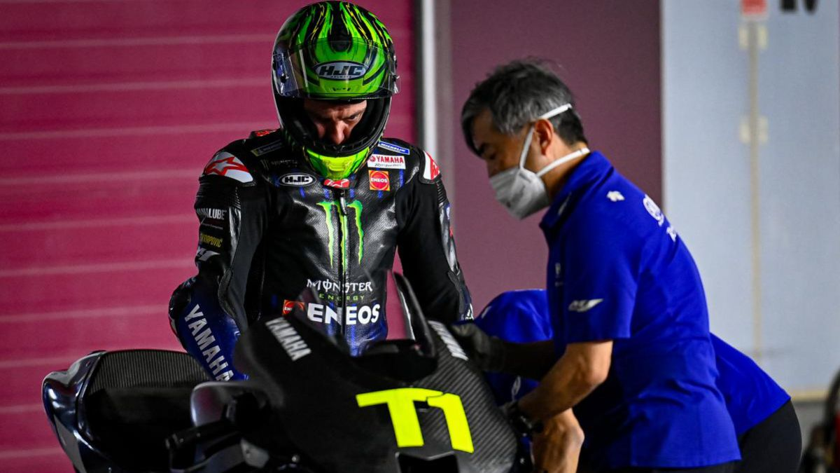 Crutchlow-returns-to-action