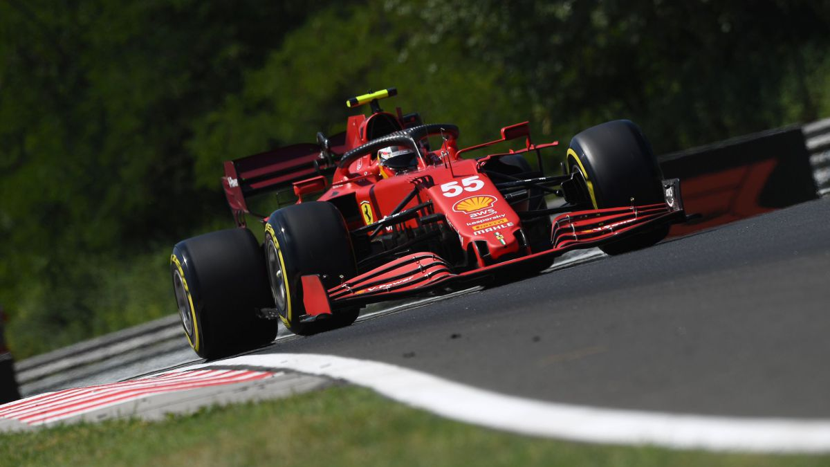 Sainz-and-Alonso-start-strong