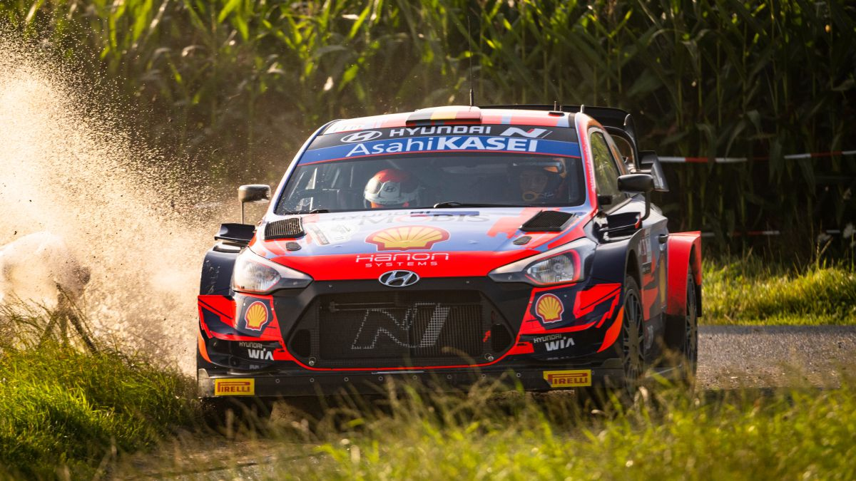Neuville-and-the-Hyundai-do-not-give-option-in-Ypres