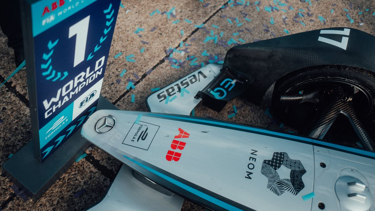 Mercedes-wins-and-leaves