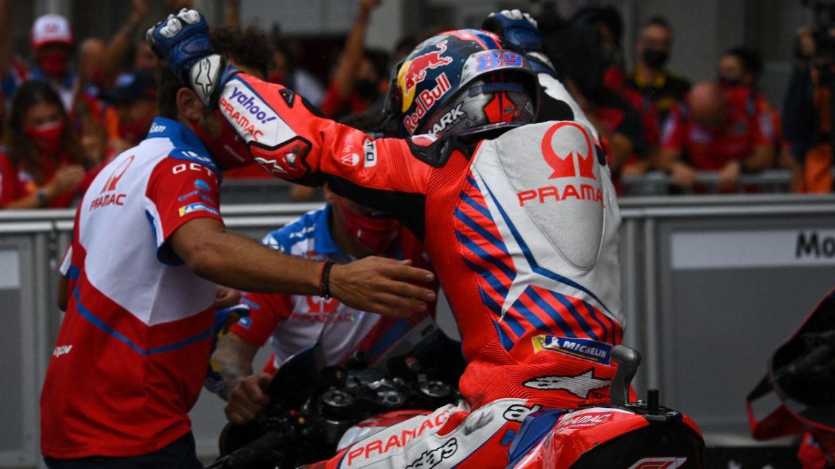 Ducati-in-love-with-Martín