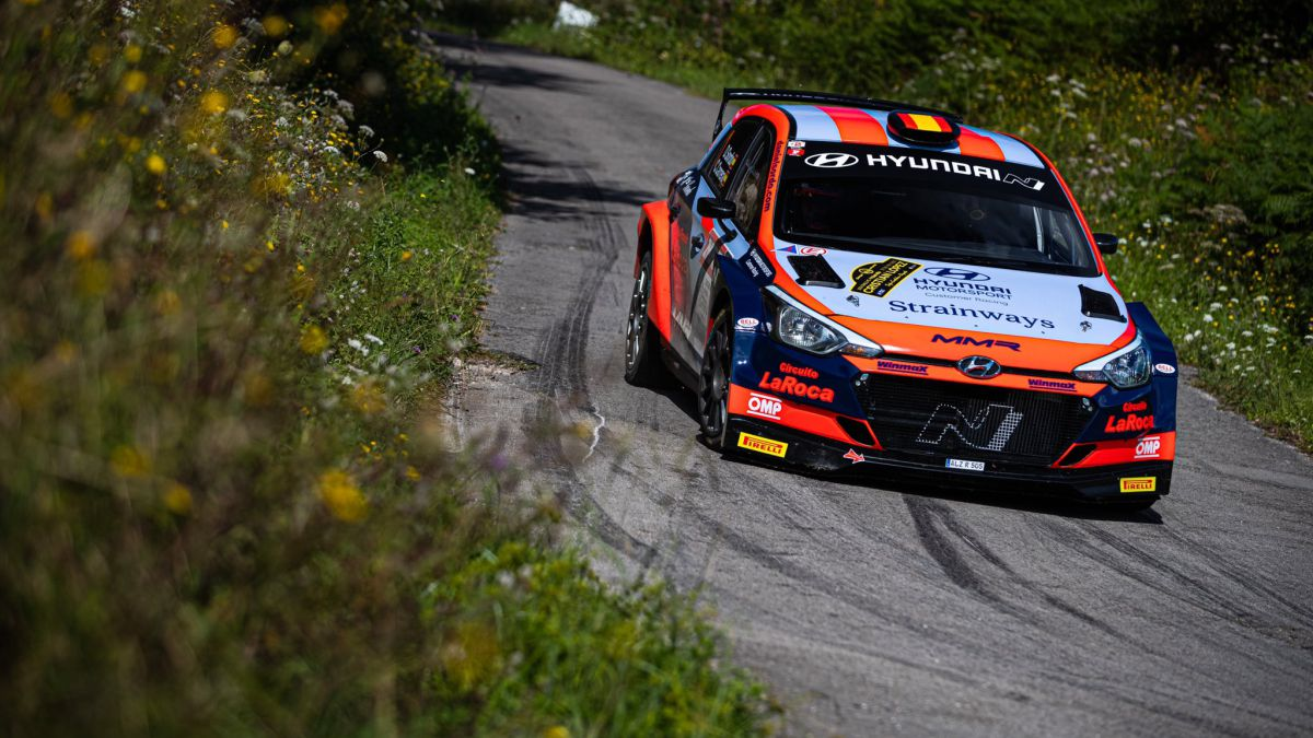 Sordo-and-Carrera-debut-sweeping-in-Cantabria
