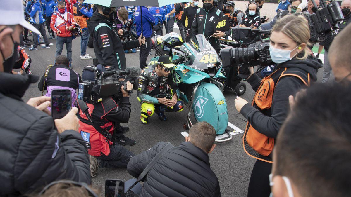 Rossi-welcomes-Dovizioso-to-Yamaha