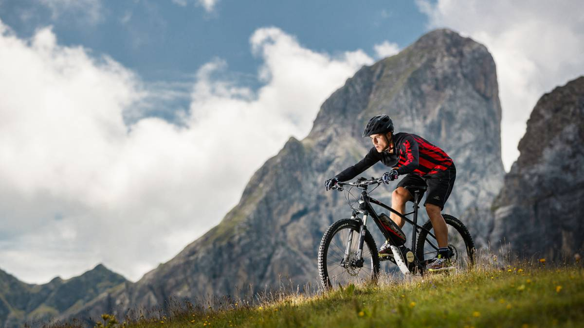¿Se pedalea de forma diferente con una e-bike?