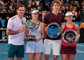 Federer guía a Suiza al título de la Copa Hopman en Perth