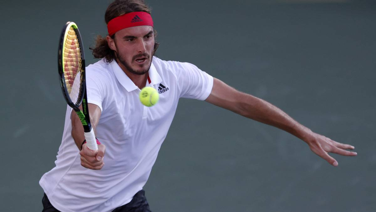 Tsitsipas-overtakes-Isner-and-will-play-fourth-with-Reilly-Opelka