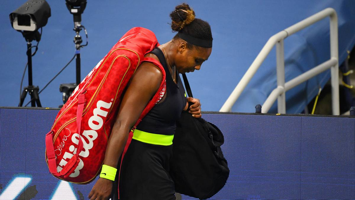 "Serena-Williams-after-losing-to-Sakkari-in-Cincinnati:-""It's-like-dating-a-boy-who-sucks"""