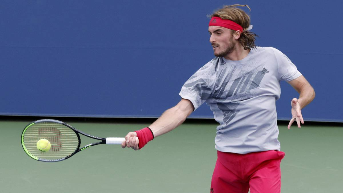 "Tsitsipas-and-the-towel-controversy:-""I-wanted-to-use-it-more"""