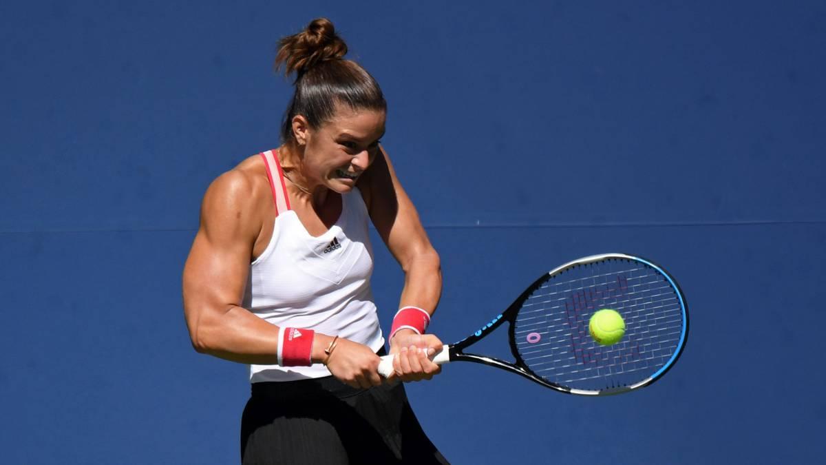Sakkari-pulls-out-muscle-and-kills-Anisimova-in-55-minutes