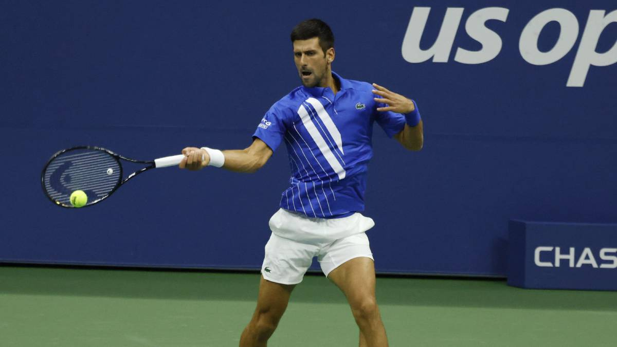 Djokovic-out-of-the-US-Open-for-a-pitch-to-a-linesman