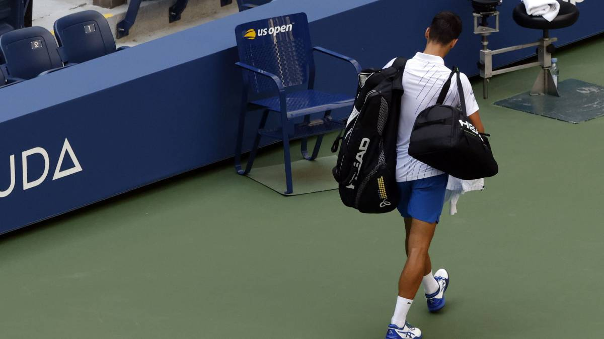 The-year-of-Djokovic's-troubles:-vaccines-COVID-coup-against-the-ATP-expulsion-...