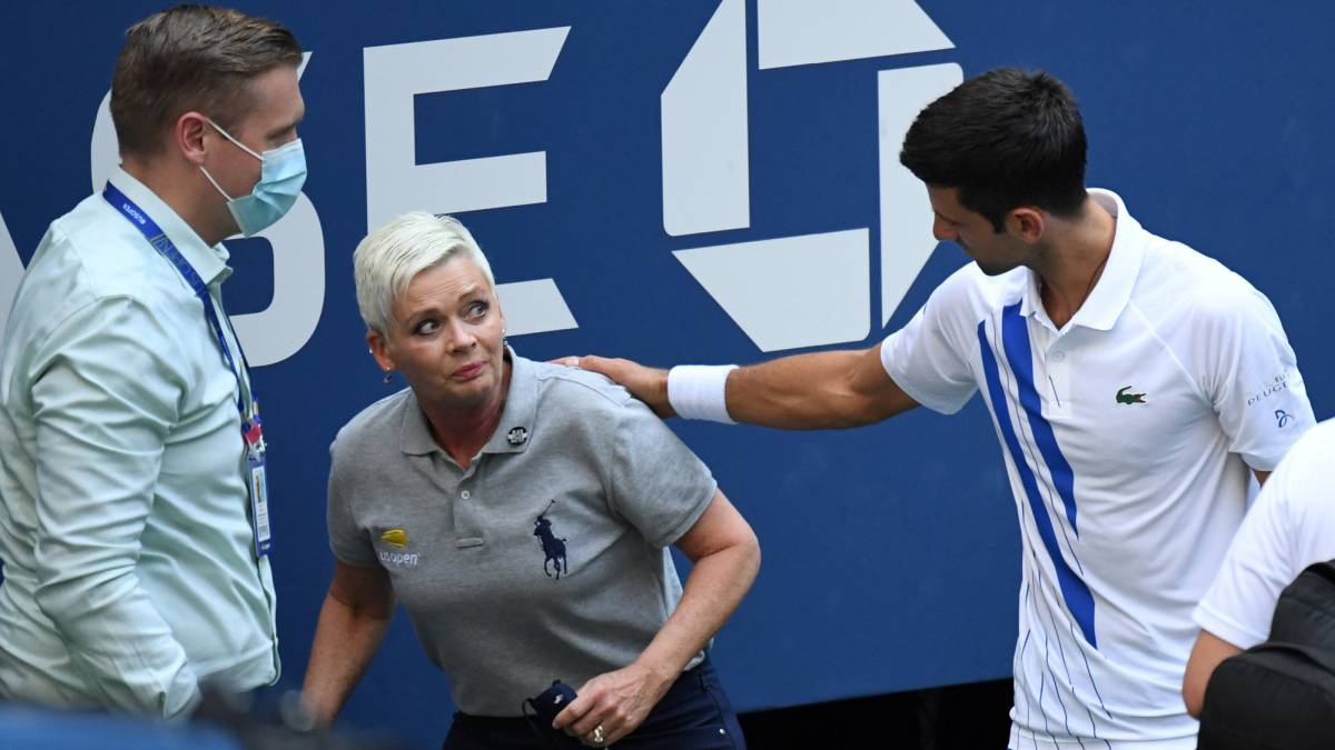 Djokovic-asks-his-followers-for-support-for-the-linesman-who-received-death-threats