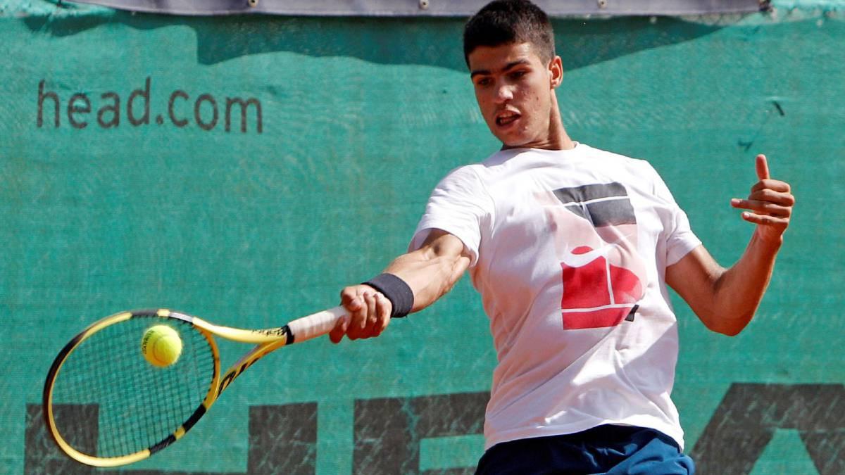 Robredo-and-Martínez-win;-Kuhn-and-Alcaraz-goodbye-to-Roland-Garros