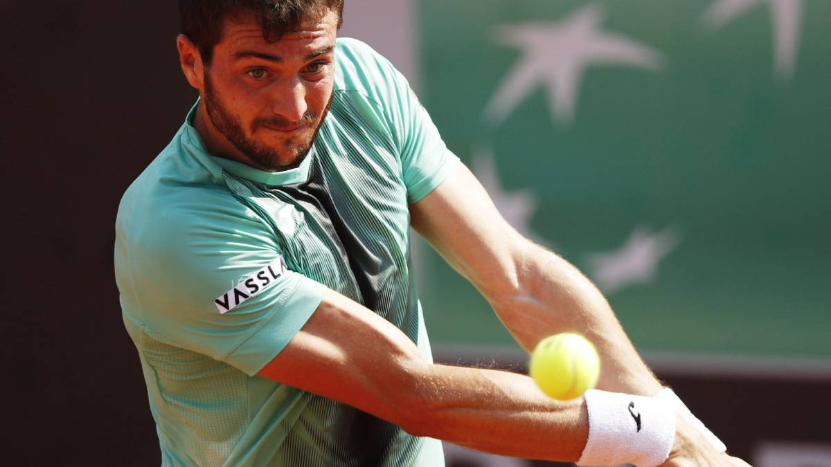 Pedro-Martínez-gets-into-the-final-table-of-Roland-Garros
