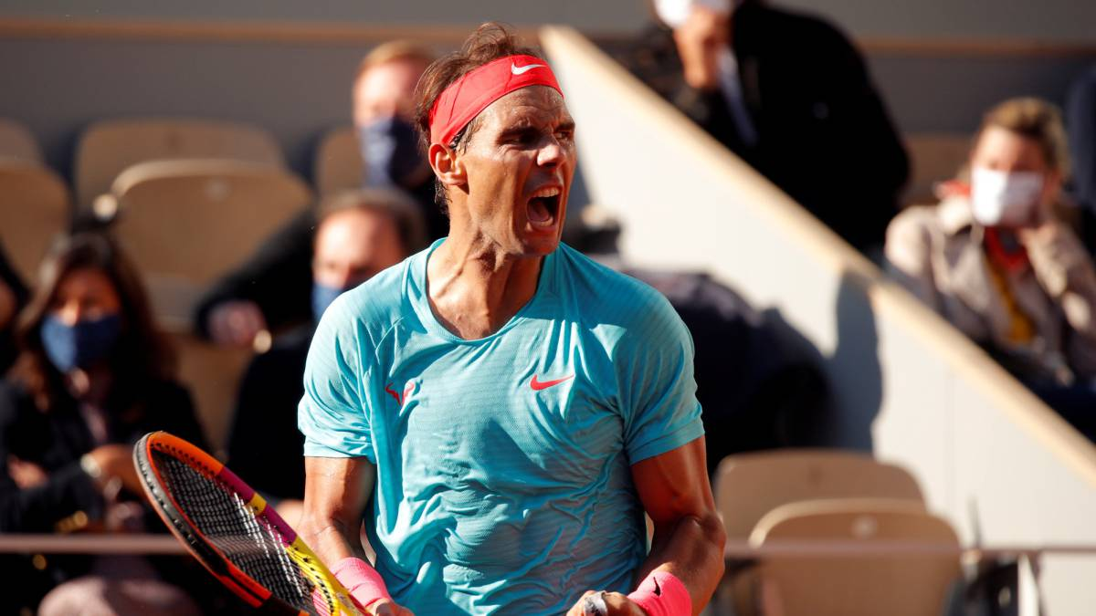 Nadal-caresses-the-final