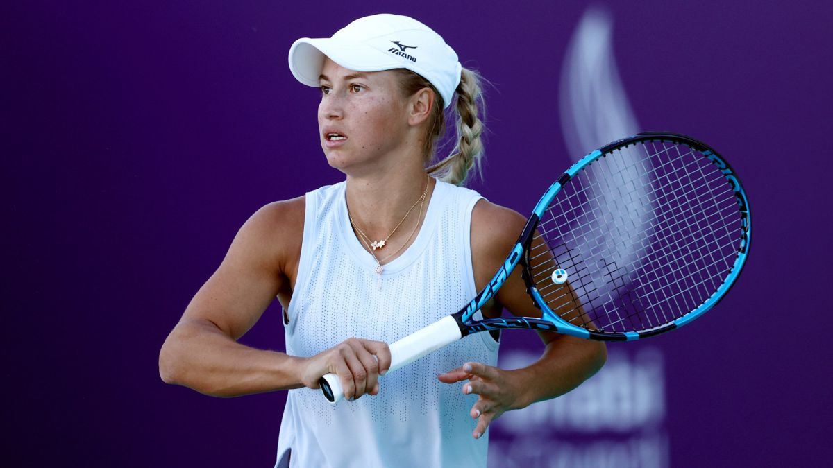Putintseva-finds-more-mice-in-her-room-and-is-accused-of-feeding-them