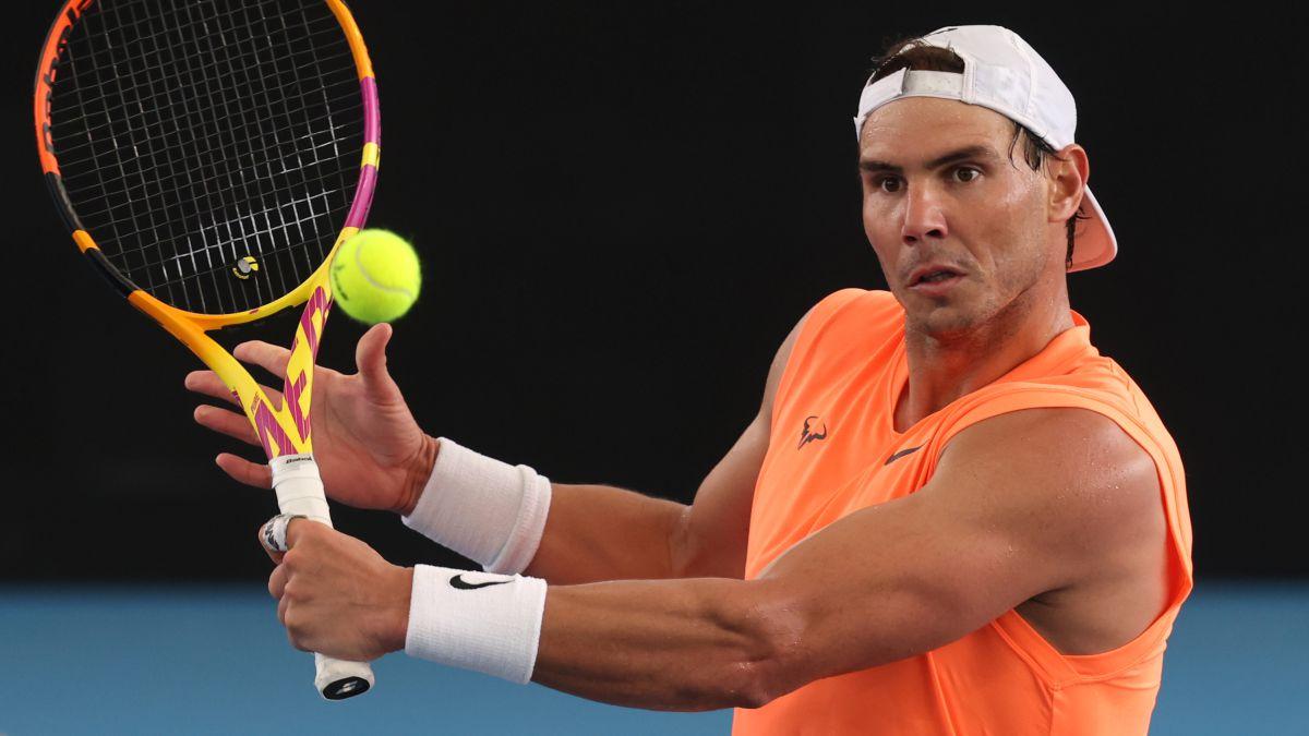 Nadal-kicks-off-at-Adelaide-exhibition