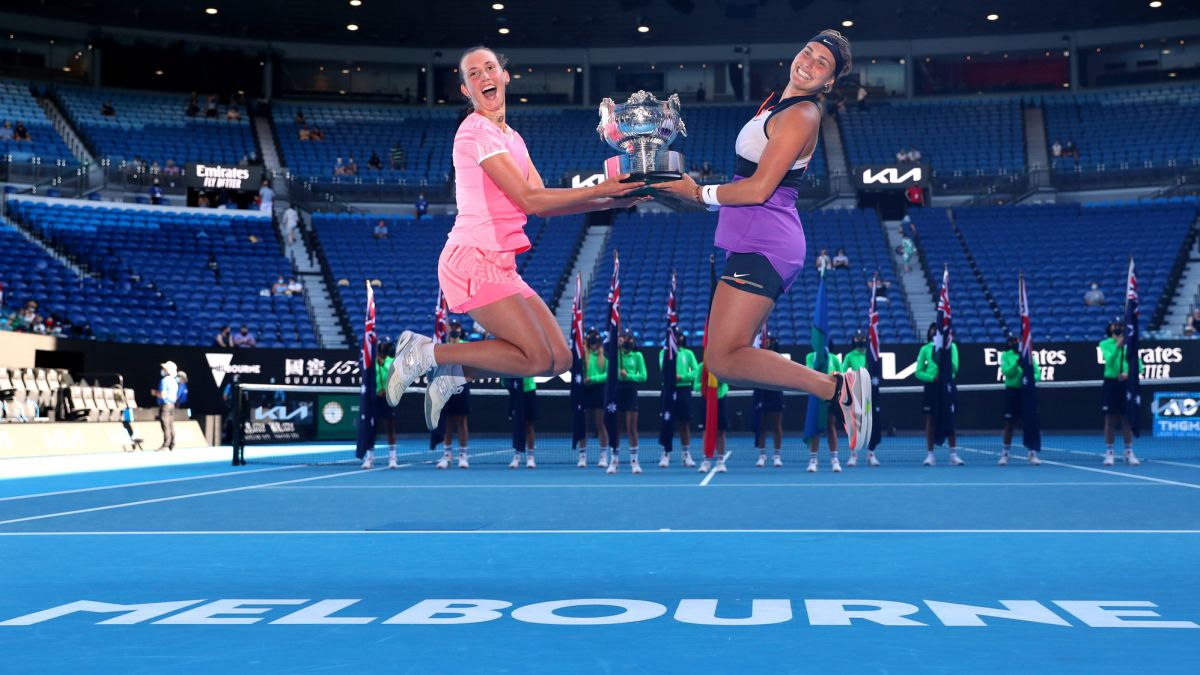 Mertens-and-Sabalenka-win-their-second-Grand-Slam-and-are-#-1