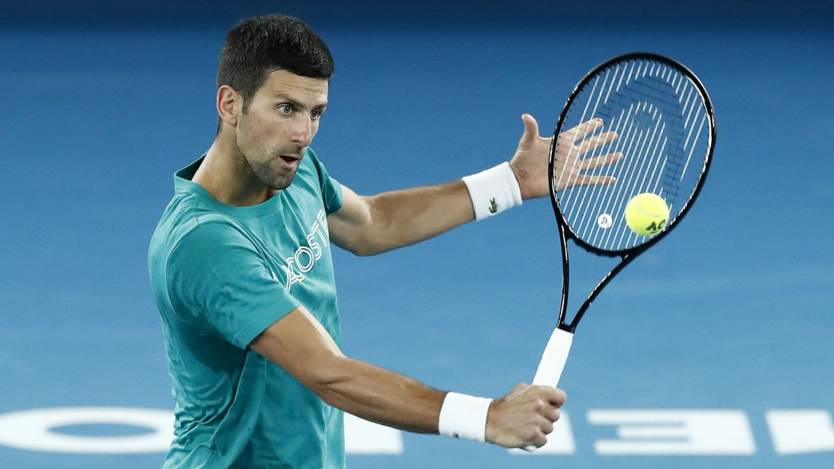 """Djokovic's-warning-to-Medvedev-and-the-youth:-""""I'm-going-to-make-them-move-their-ass"""""""