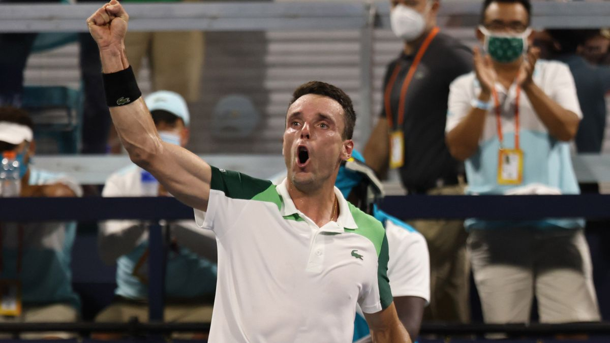 """Bautista:-""""To-beat-Medvedev-in-two-sets-you-have-to-play-tennis-very-well"""""""