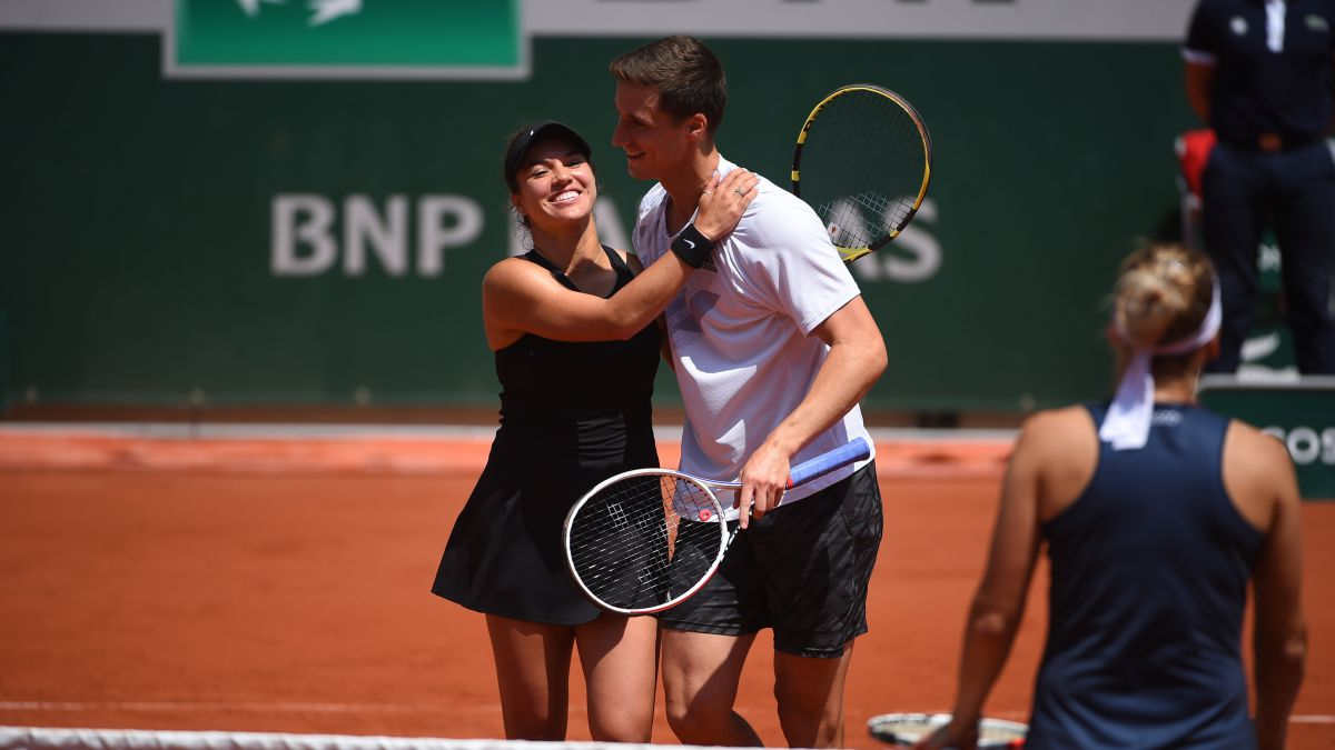 Krawczyk-and-Salisbury-are-mixed-doubles-champions