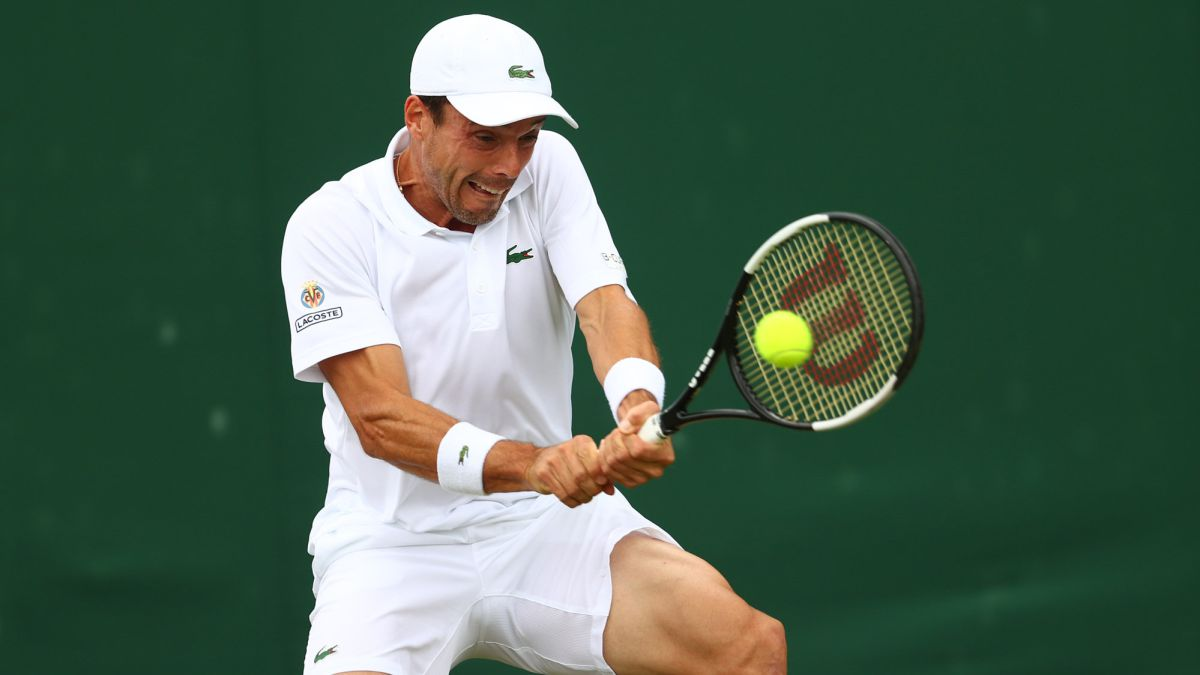 Bautista-saves-the-day-in-a-great-fifth-set-against-Kecmanovic