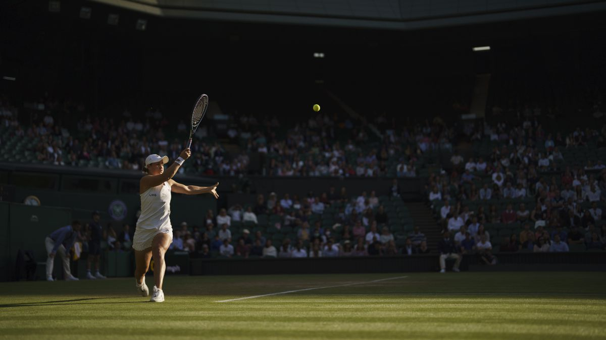 Wimbledon-full-from-the-quarters