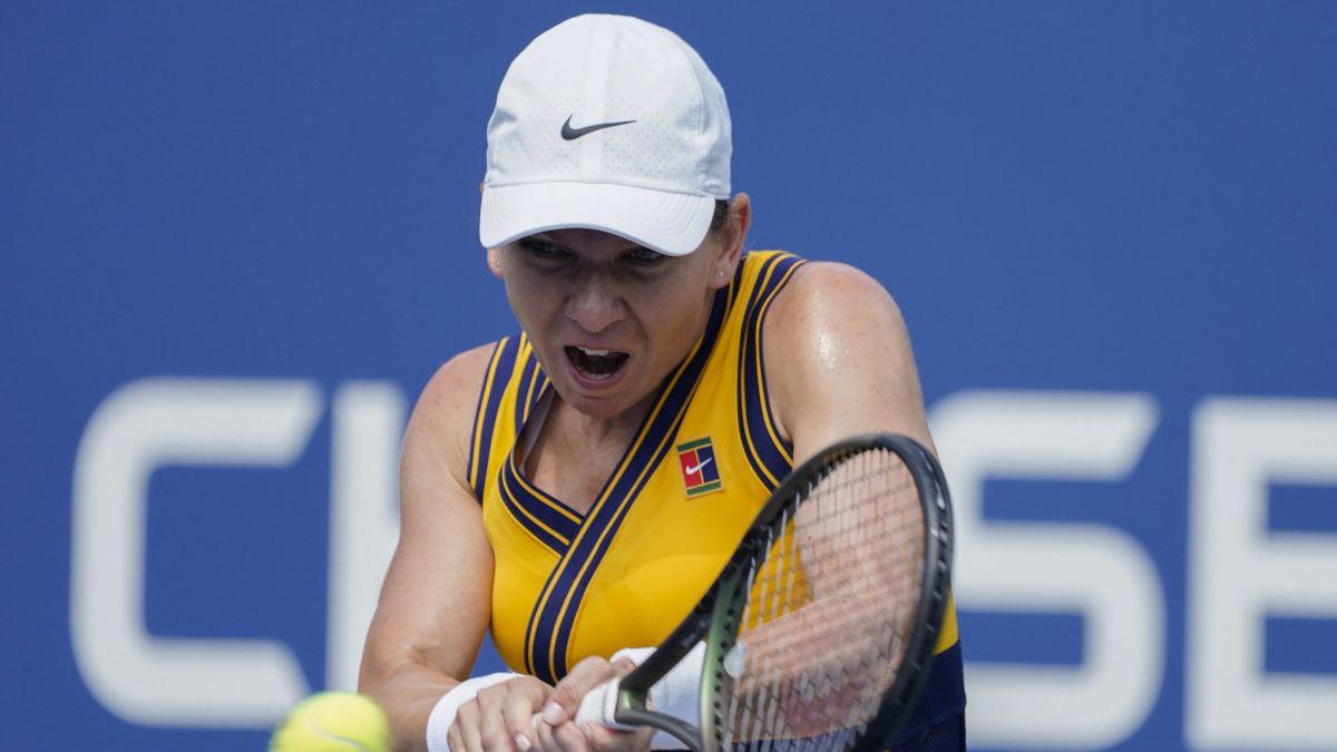 Simona-Halep-defeats-Camila-Giorgi-and-advances-to-second-round