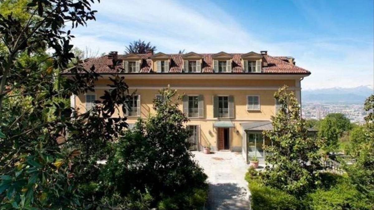 C Ronaldos House