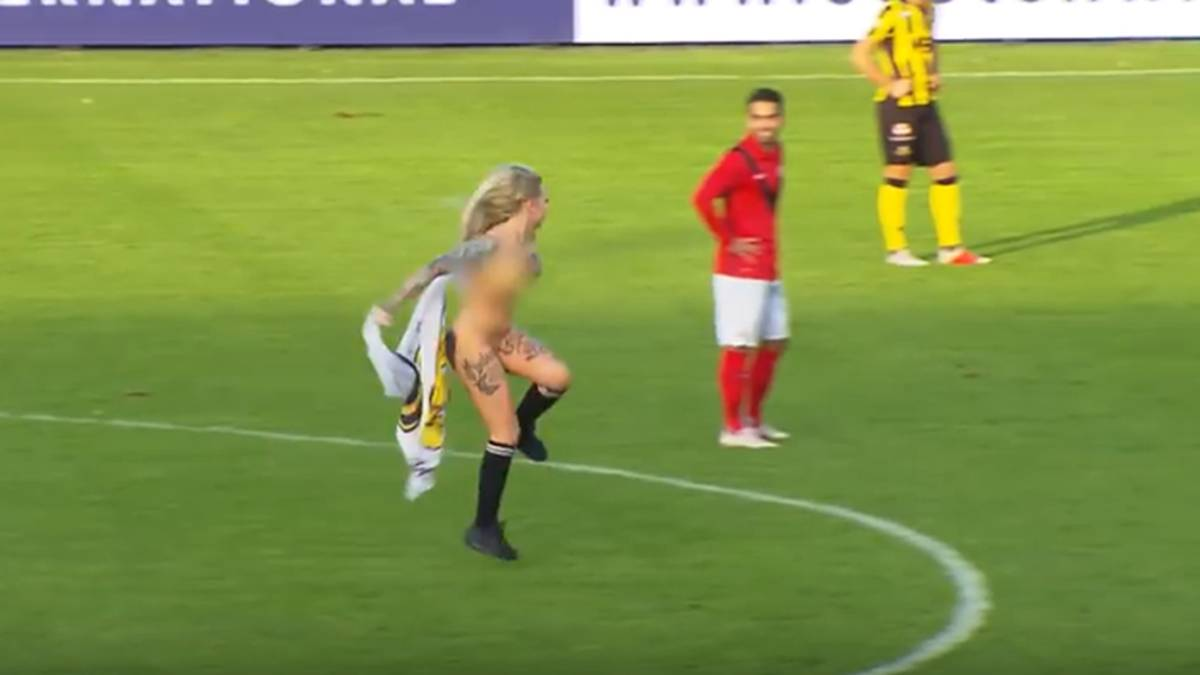 Fans Hire Stripper To Streak Naked And Distract Opposing Players