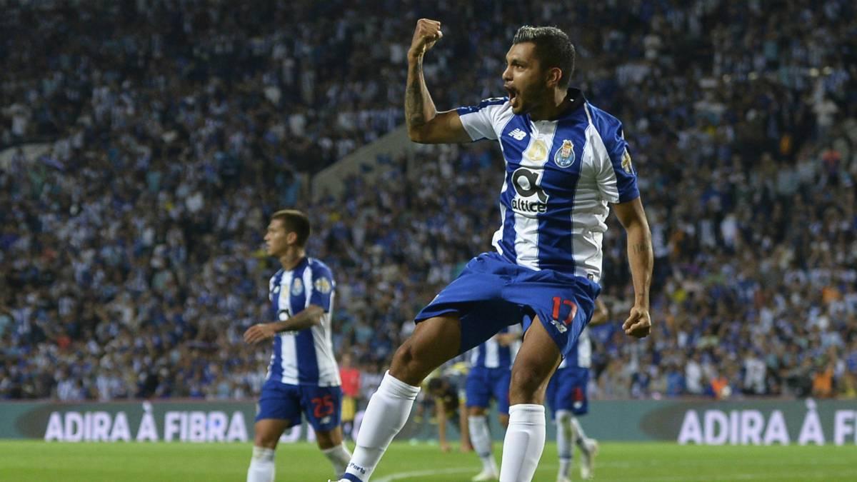 Jesús Manuel 'Tecatito' Corona no podrá jugar ante la Roma en Octavos de Final