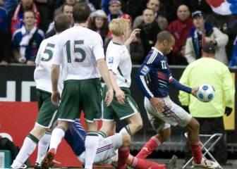Histórico de LA Galaxy carga contra Thierry Henry