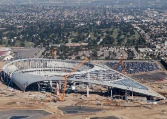 Muere trabajador en estadio de Rams y paran la construcción