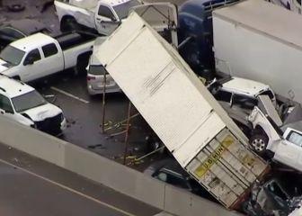Parece de película: impactantes imágenes de un brutal choque en cadena en Texas