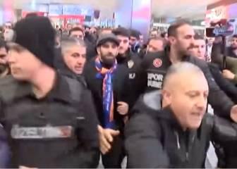 La multitudinaria llegada, con carga policial, de Arda a Estambul